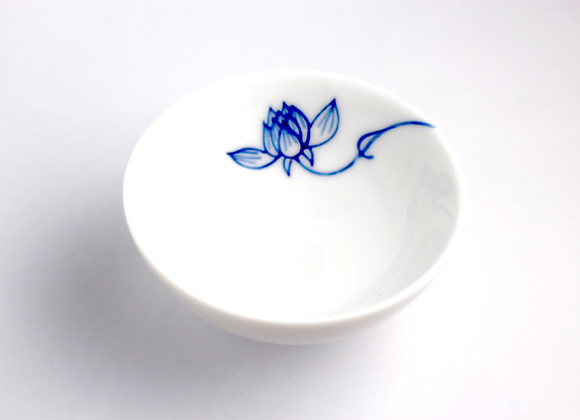 Hand-Painted Lotus (Inside) 手繪蓮花杯(內緣)