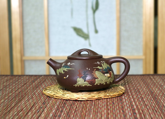 Multiple-clay Slip-decorated Yixing Zisha Teapot 泥繪石瓢壺