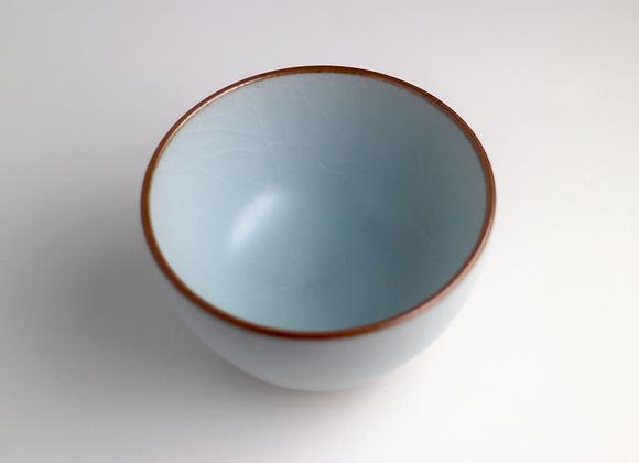 Ru Yao Glaze Ice-Cracked Teacup   汝窯冰裂釉茶杯