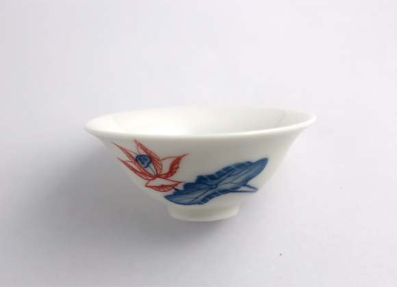 Hand-Painted Lotus Teacup 彩繪蓮花笠形杯