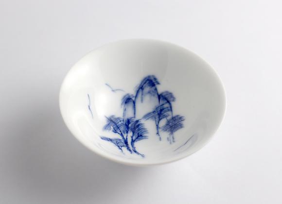 Hand Painted Landscape Teacup(blue) 手繪青花山水杯