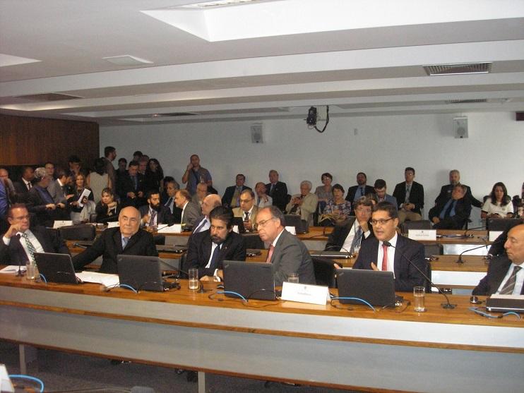 Uma vista do plenário da Comissão.