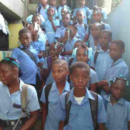 """Humanity For The World, à l'école de """"YAWE SHAMMA"""" à Cabaret. Haiti. Octobre 2017."""