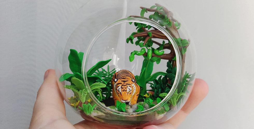 Unique jungle scene with a tiger