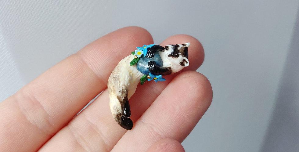 black footed ferret / figurine