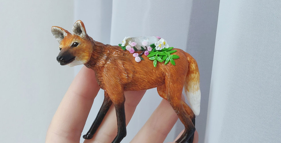 Maned wolf / figure