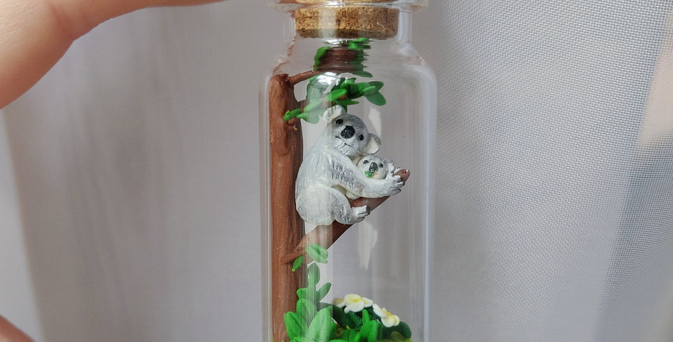 koala with koalababy / Bottleart