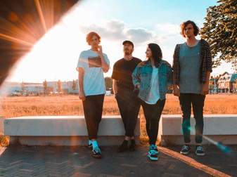 The Top Six Bands From The Dutch Indie Scene As Told By Snow Coats