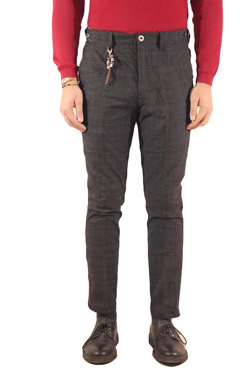 R103 C-G2 Pantalone slim fit una pence taglio vivo tartan grigio