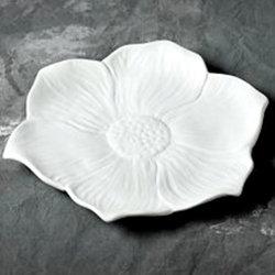 Seasonal bloom dinner plate - 10 in.