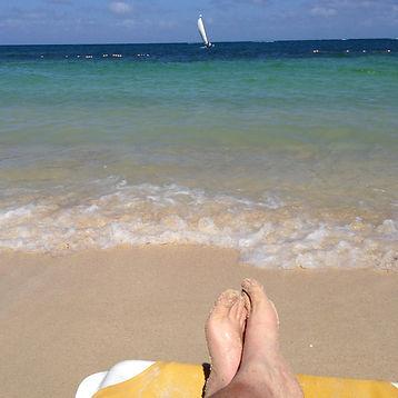 cd- ric beach feet .jpg