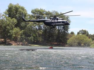 Llega a Michoacán helicóptero para apoyar en incendios forestales activos de Uruapan