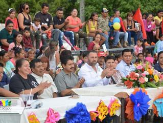 El Presidente Luis Felipe León Balbanera asistió al 16 aniversario de la Colonia El Paraíso