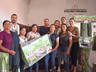 El Presidente Adrián Melgoza Novoa entrego 50 cunas ecológicas