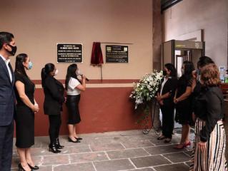 Develan diputados placa en memoria del diputado Érik Juárez Blanquet