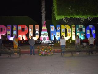 Presidenta de Puruándiro Realizo la Develación de las Nuevas Letras en el Jardin Municipal