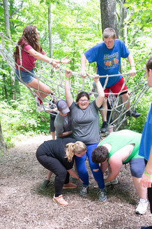 Spider's Web (low ropes)