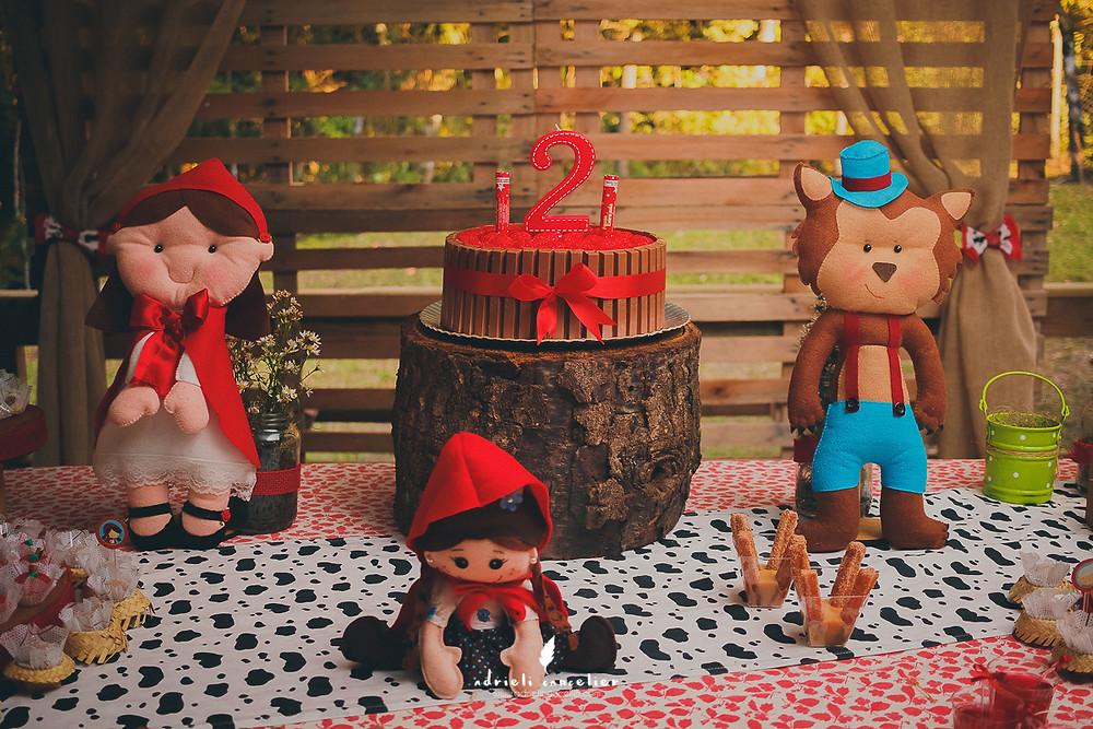 decoração chapeuzinho vermelho dois anos