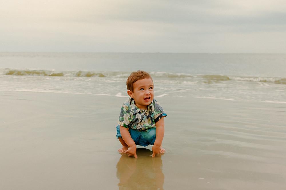 Ensaio fotográfico de família na praia de Caiobá