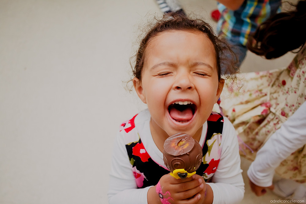 fotografia de festa infantil em Curitiba por Adrieli Cancelier, festa de 1 ano do Rafael com a decoração com tema do Mickey no Buffet Festa.com