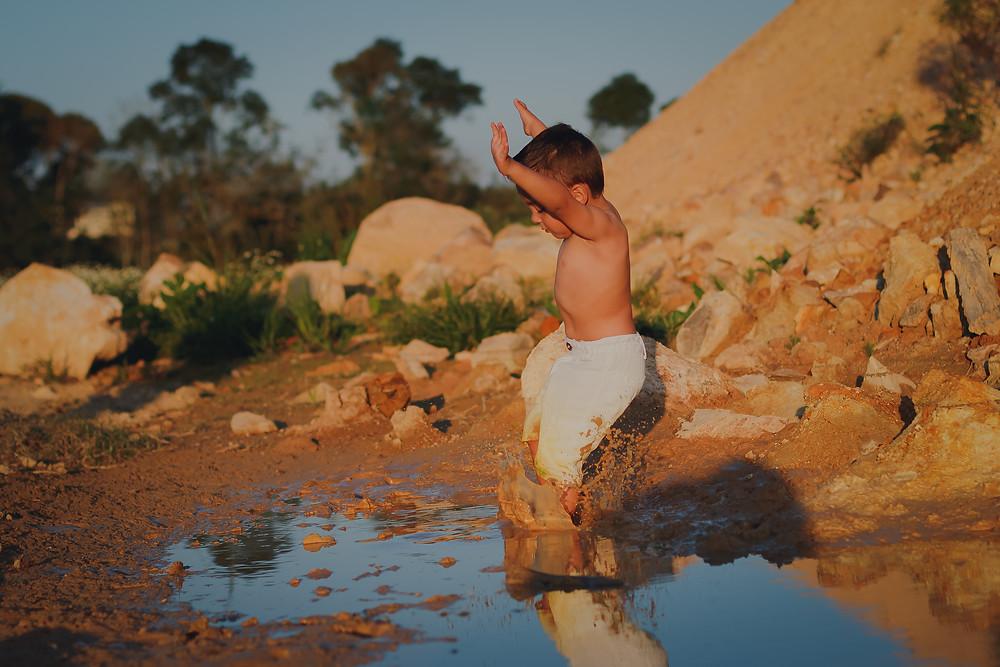 fotografia infantil curitiba, banho de lama
