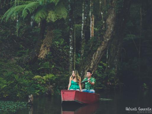 Ensaio fotográfico de casal em Curitiba ao ar livre | Pré-casamento | Agudos do Sul - [Thayne &
