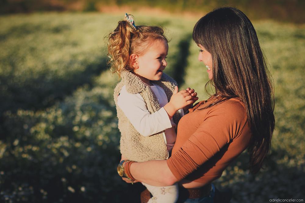 fotografia de família em Curitiba por Adrieli Cancelier | ensaio fotográfico de família em Curitiba | book mãe e filha