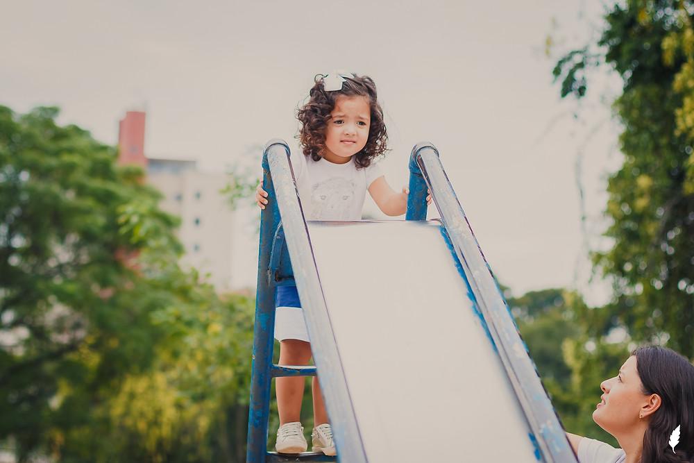 book de família externo curitiba, book família ao ar livre, fotografia de família no parque, fotógrafo em Curitiba, maternidade simples