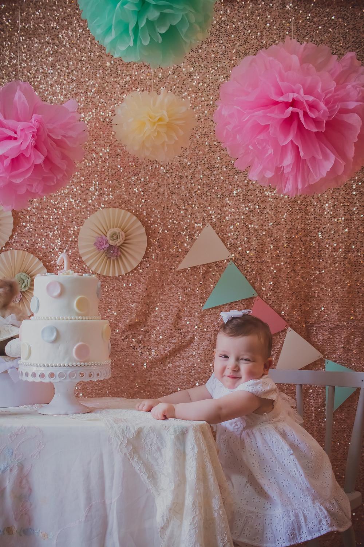 Ensaio fotográfico de bebê | Flores de papel seda