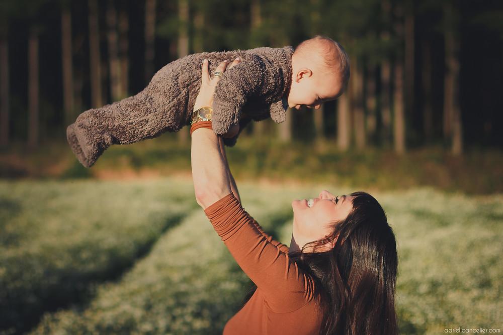 fotografia de família em Curitiba por Adrieli Cancelier | ensaio fotográfico de família em Curitiba | bebê 11 meses