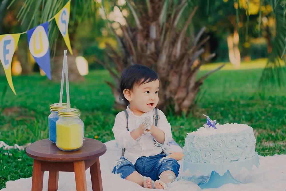 ensaio fotográfico família curitiba, jardim botânico, fotografia família japonesa, smash the cake, ensaio com bolo