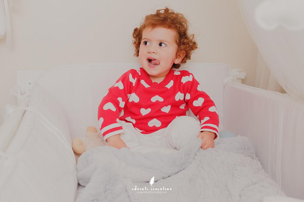book de recém-nascido, newborn lifestyle, newborn em casa, book de 1 mês, ensaio fotográfico em casa, fotografia de bebê em curitiba, fotografia de família