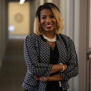 Dr. Tyrha Lindsey-Warren