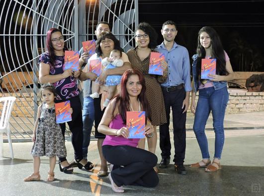 Lançamento coletivo de livros
