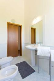 bagno vista erice Stagnone Holiday Apartment