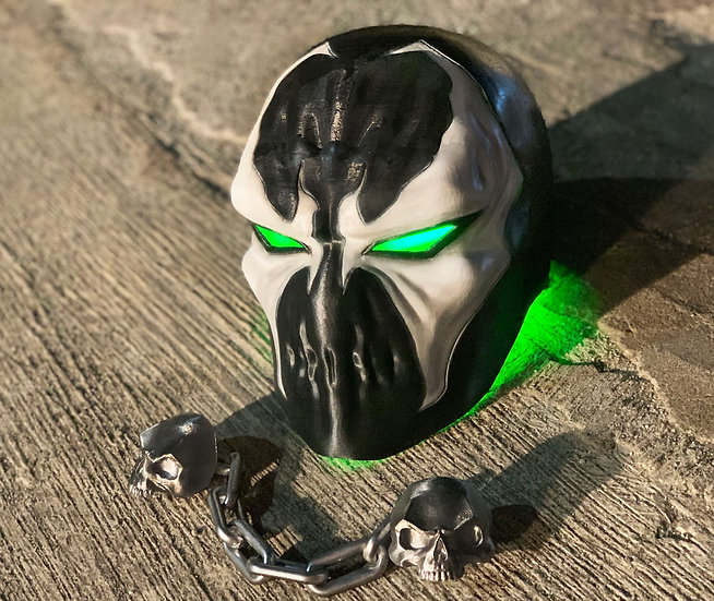 Spawn mask HQ Resin + Vampire skull chain (Included)