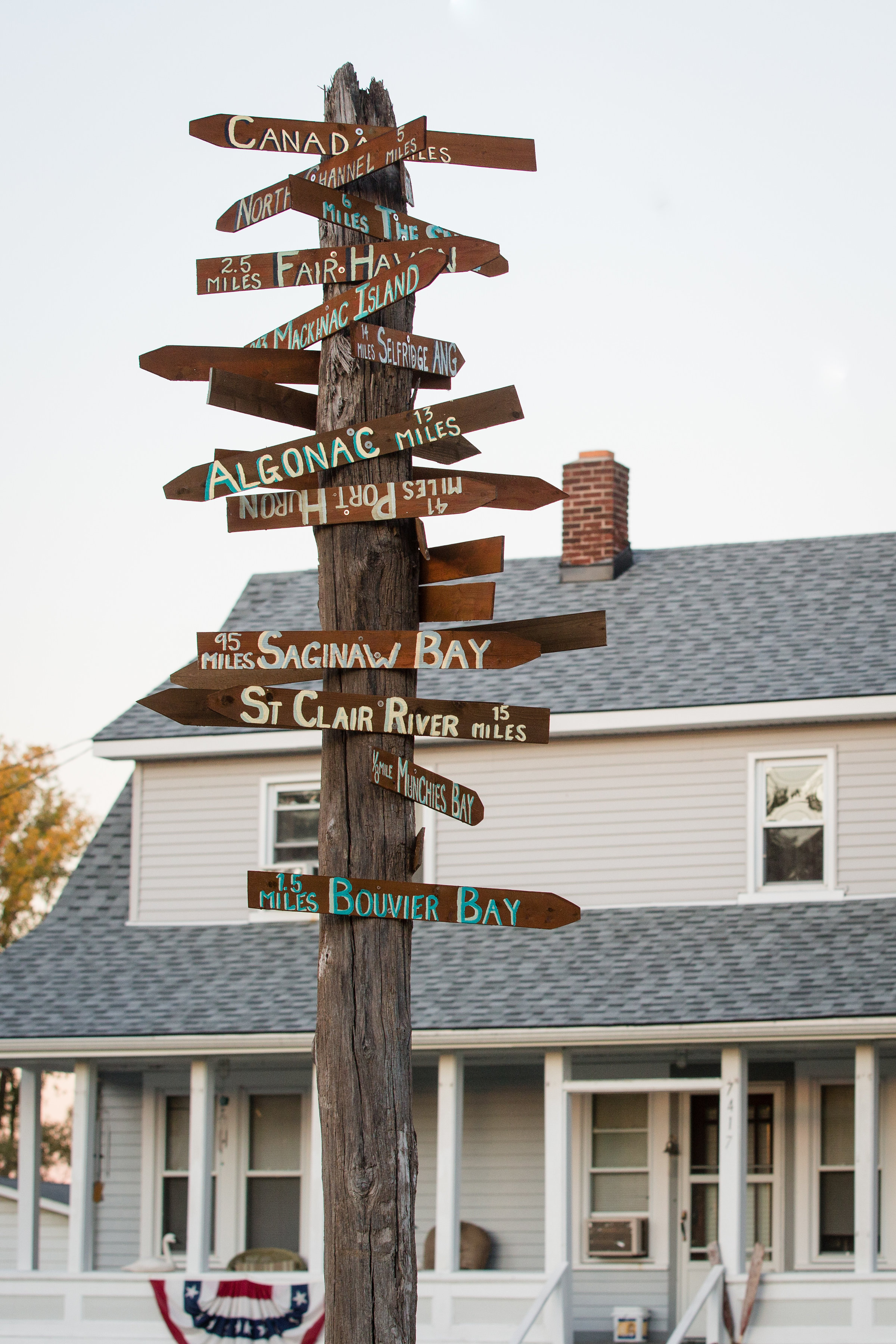 Swan View Inn direction sign