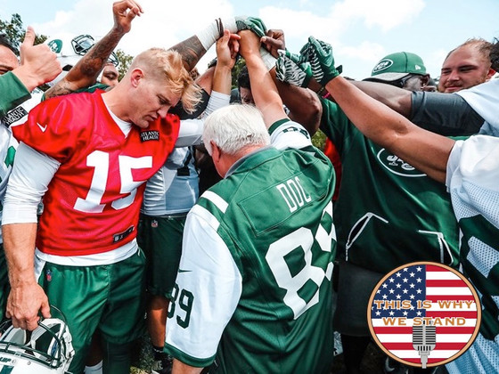 New York Jets Host Medal of Honor Recipient James McCloughan