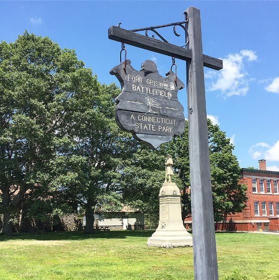 Fort Griswold Battlefield State Park: Civil War Memorial