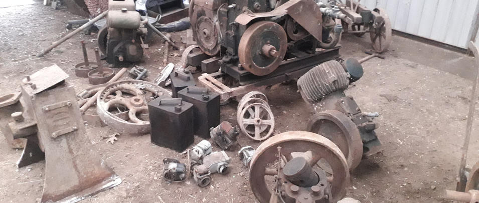 Cash paid for vintage farm / barn / industrial engines