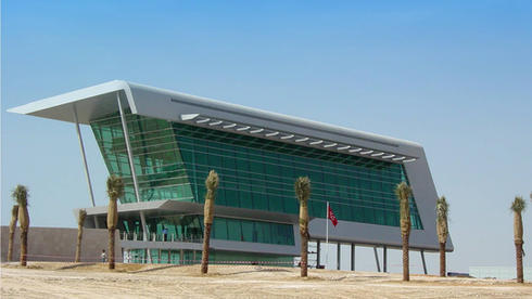 apex-dubai-autodrome-marketing-building