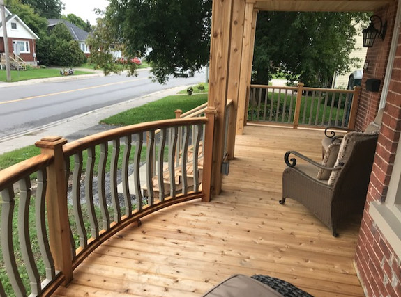 Curved cedar railing