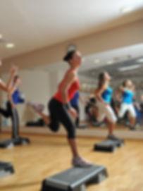 Групповые тренировки в фитнес-центре Медлайф