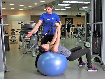 Тренировка по кинезитерапии в фитнес-центре Медлайф