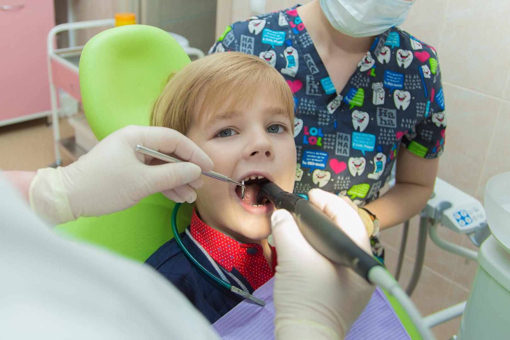 У детского стоматолога