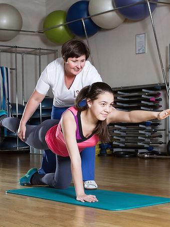 Занятие ЛФК в фитнес-центре Медлайф