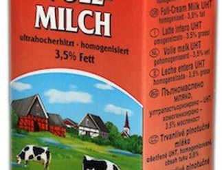 DA008. Dairy Star UHT Milk (3.5% Fat)