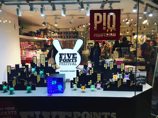 CLUTTER MAGAZINE / PIQ at Grand Central Exclusive Dunny Release