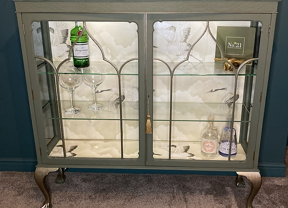 Quenbee Glass Display Cabinet