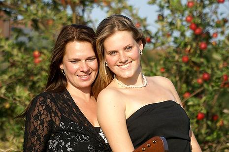 Harfe Elena und Alexandra Janzen